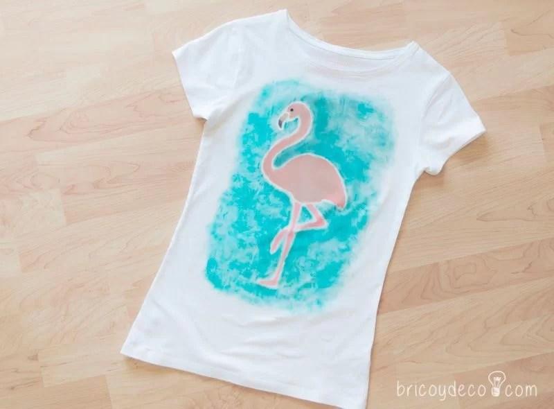 personalizar una camiseta con stencil y Markal Paintsticks