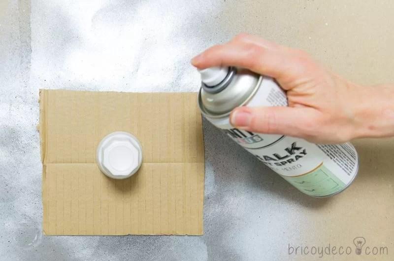 reciclar vidrio con pintura en spray chalk paint verde menta