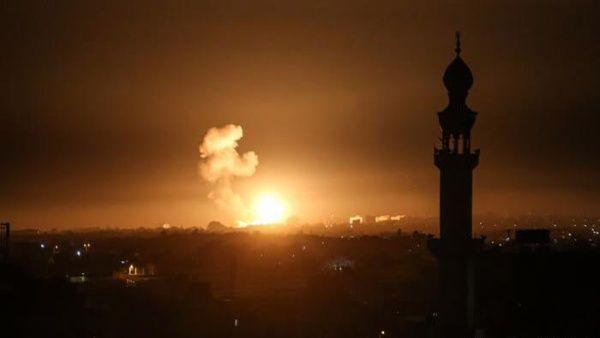 Israele torna a bombardare obiettivi palestinesi nella Striscia di Gaza
