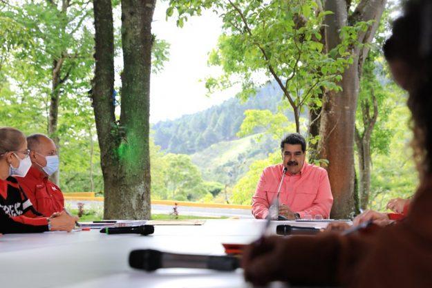 Maduro felicitó la actitud ejemplar e impecable durante campaña electoral de las primarias del PSUV