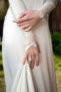First Photos of Bella's Breaking Dawn Wedding Dress ...