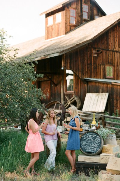 country wedding cocktail hour