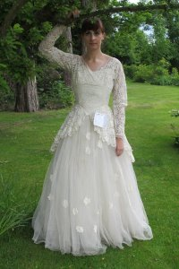 Mystery Man Donates Wife's Wedding Dress: Read the Sweet ...