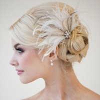 Feather Wedding Hair Pieces | 20 ethereal hair accessories ...