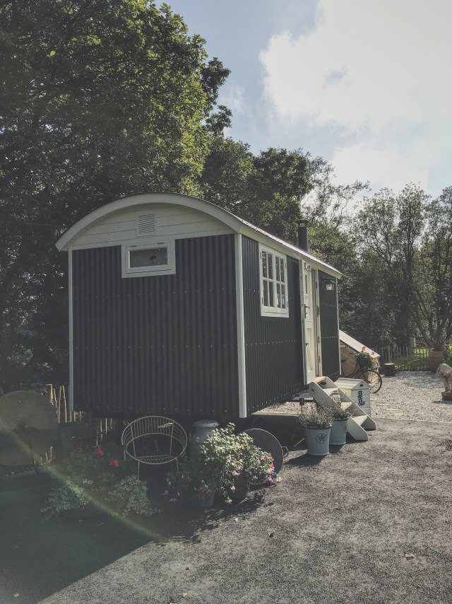 Being An Ethical Bride: A Glamping Honeymoon in Cornwall | British wedding blog - Bride and Tonic