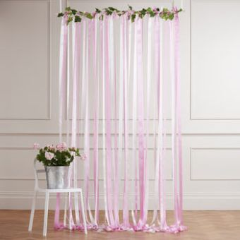 Our Top Ten Wedding Backdrops | British wedding blog - Bride and Tonic