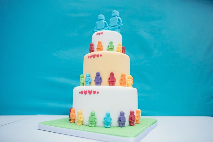 We Love: Dreamy Ethical Vegan Cakes from Tiny Sarah's Cakes | British wedding blog - Bride and Tonic