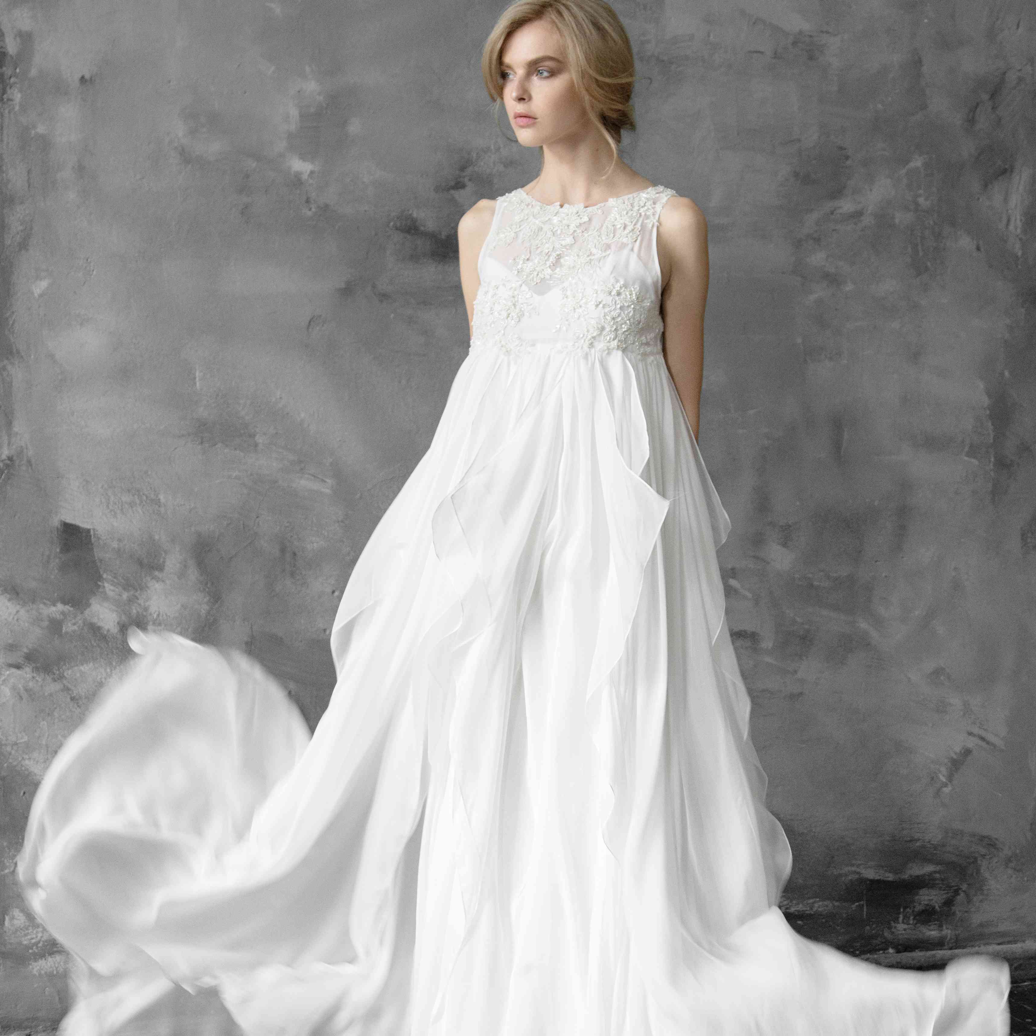How To Find The Perfect Maternity Wedding Dress 10 Tips