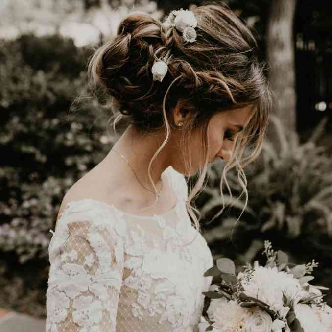 21 perfectly imperfect messy updos