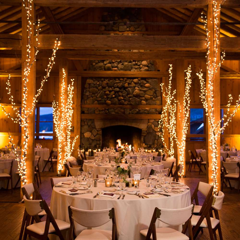 35 string light ideas for your wedding