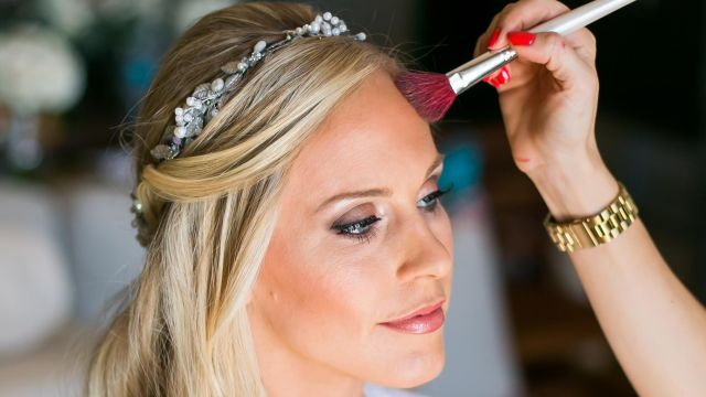 how to ensure that your hair and makeup schedules stay on