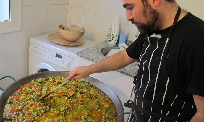 Sergio making paella