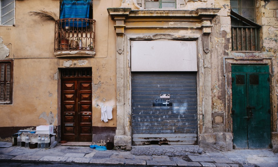 Valletta deserted shop front