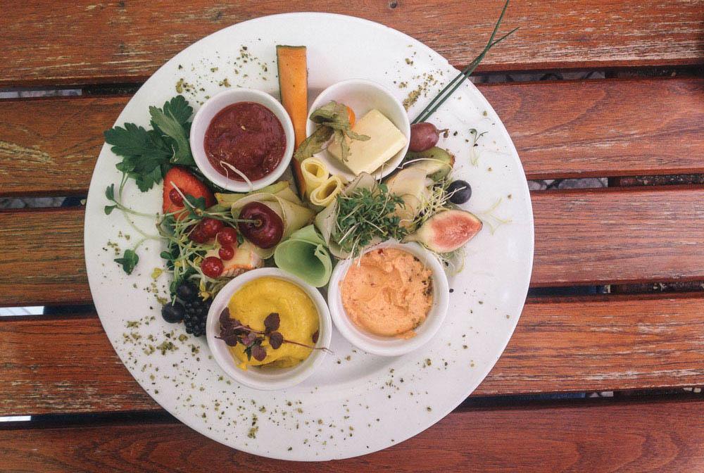 Vegetarian breakfast at Bastard, Berlin