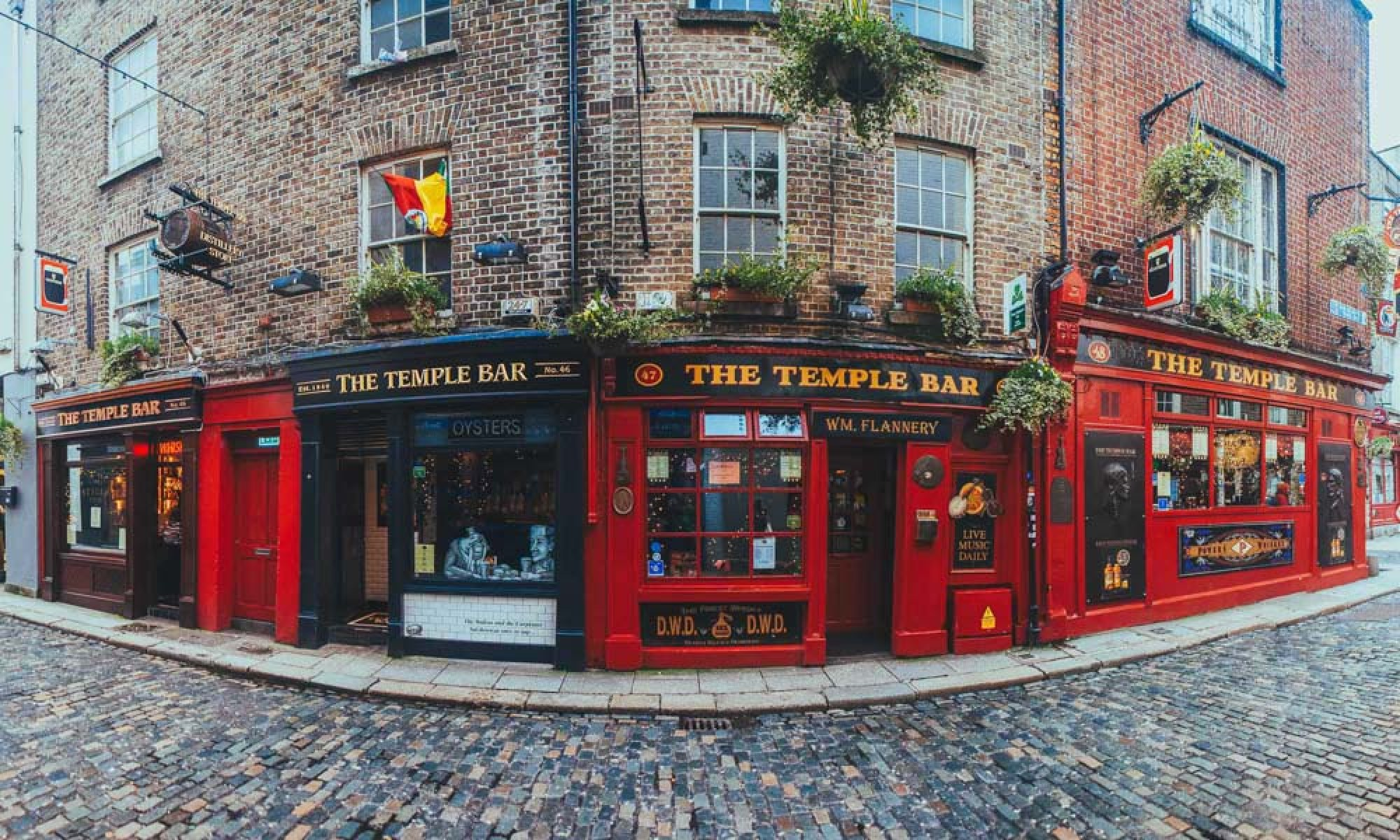 Things to do in Dublin: Explore Temple Bar