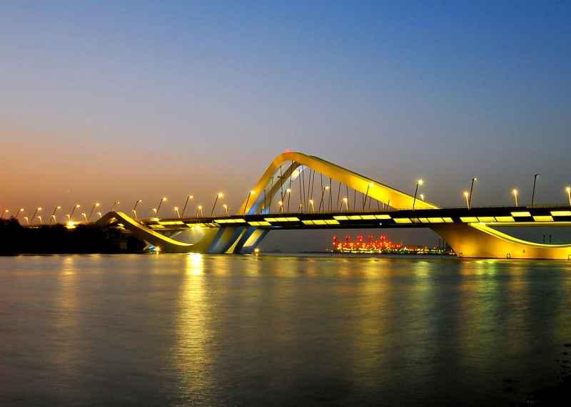صورة جسر الشيخ زايد (2010)