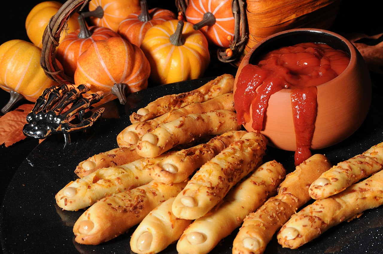 Bridgford Bread And Roll Dough Pepperoni Halloween Fingers