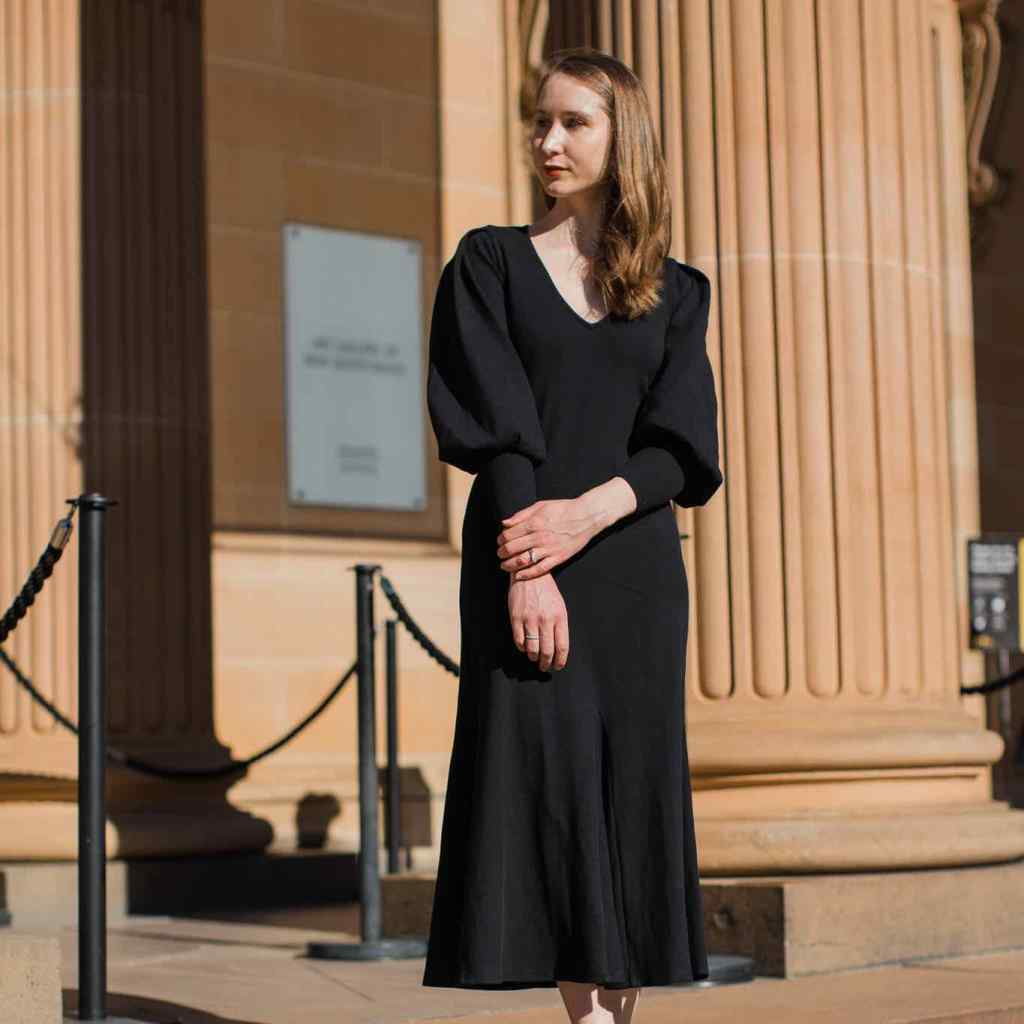 Little black dress, wardrobe staple, minimalist outfit, parisenne style outfit