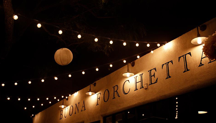 Buona Forchetta at night