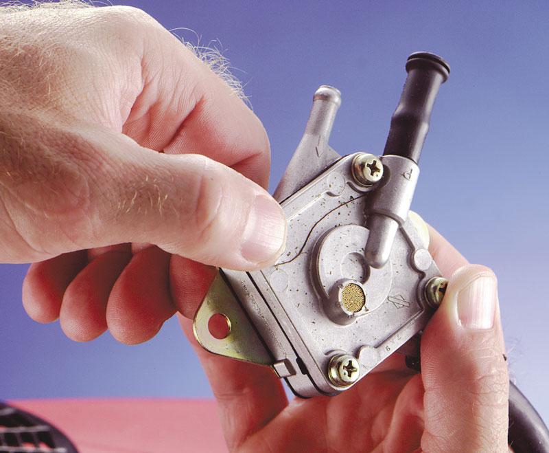 John Deere La110 Engine Diagram How To Find Fix And Install Lawn Mower Fuel Pump Briggs