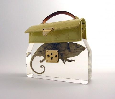 ted-noten-grandmas-bag-revisited-2009-courtesy-galerie-rob-koudijs-600x519