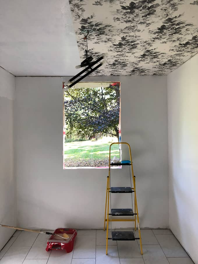 Smoky Rose Floral Wallpapered Ceiling In The Mudroom