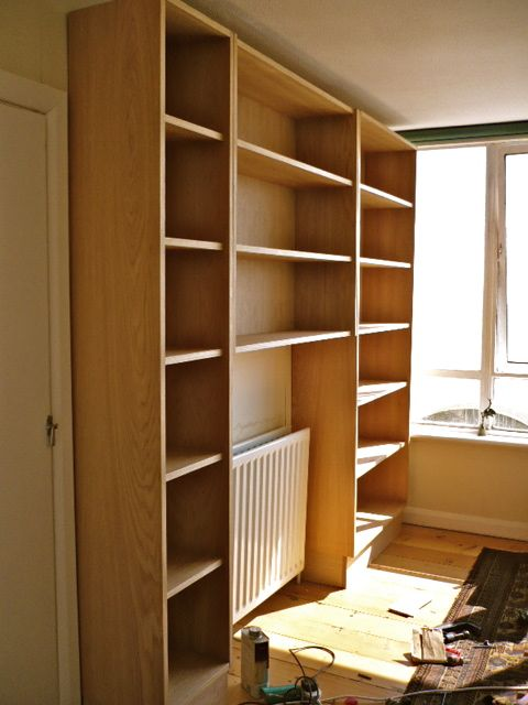 https://i0.wp.com/www.brightoncarpentry.co.uk/wp-content/uploads/2008/04/oak-bookcases-1.jpg