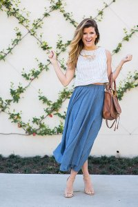 Flowy Midi Skirt Outfit Idea for Spring Date Night