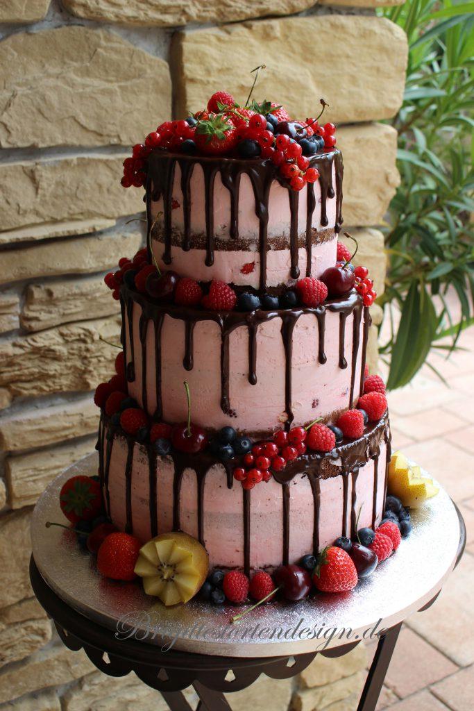 Dripcake als Hochzeitstorte mit Obst glutenfrei