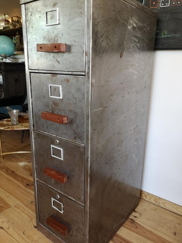 casier metallique 4 tiroirs