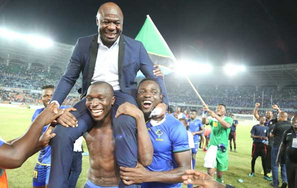 Good Coaches Make Good Players! Amunike aims Dig at Super Eagles Coaches over NPFL Players Snub - Latest Sports News In Nigeria