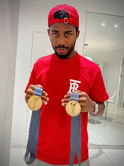 """""""Can't get over them"""", Emmanuel Dennis shows off his Belgian title medals - Latest Sports News In Nigeria"""