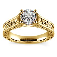 Antique Solitaire Engagement Ring in Yellow Gold