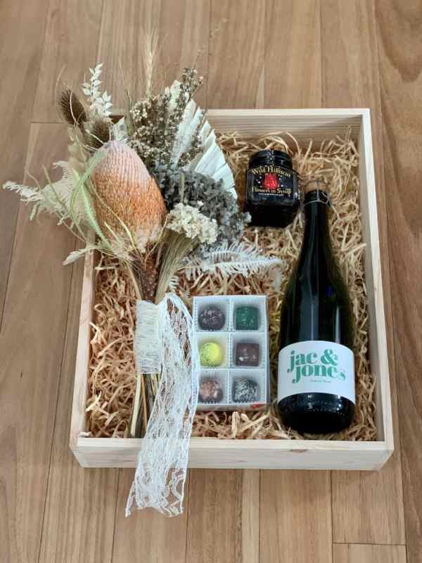 Champagne and Dried Flowers Box
