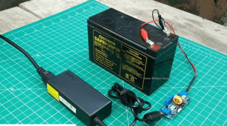 12 Volt Battery Charger And Also Can Accu Charger
