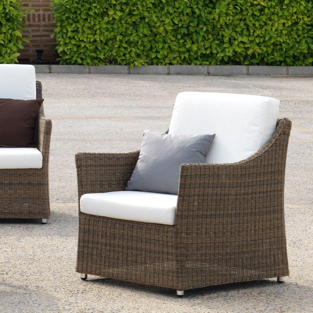 fauteuil de jardin marron en resine tressee