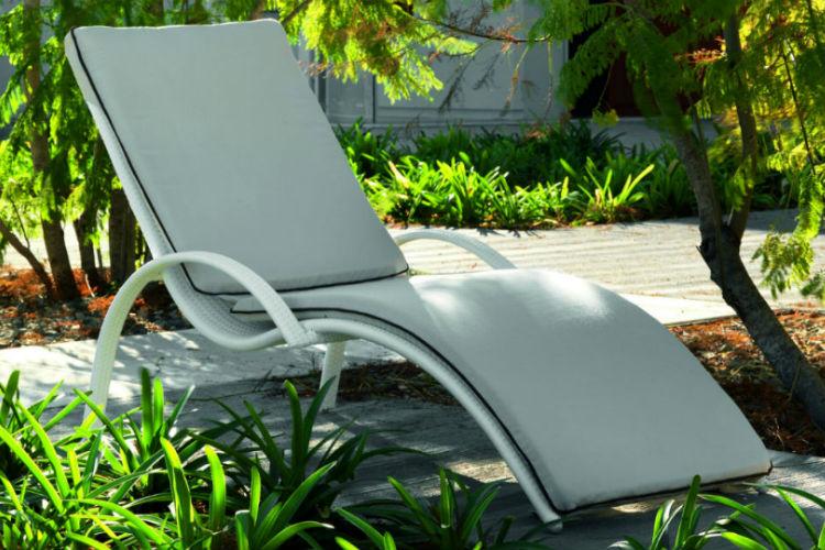 chaise longue de jardin en resine