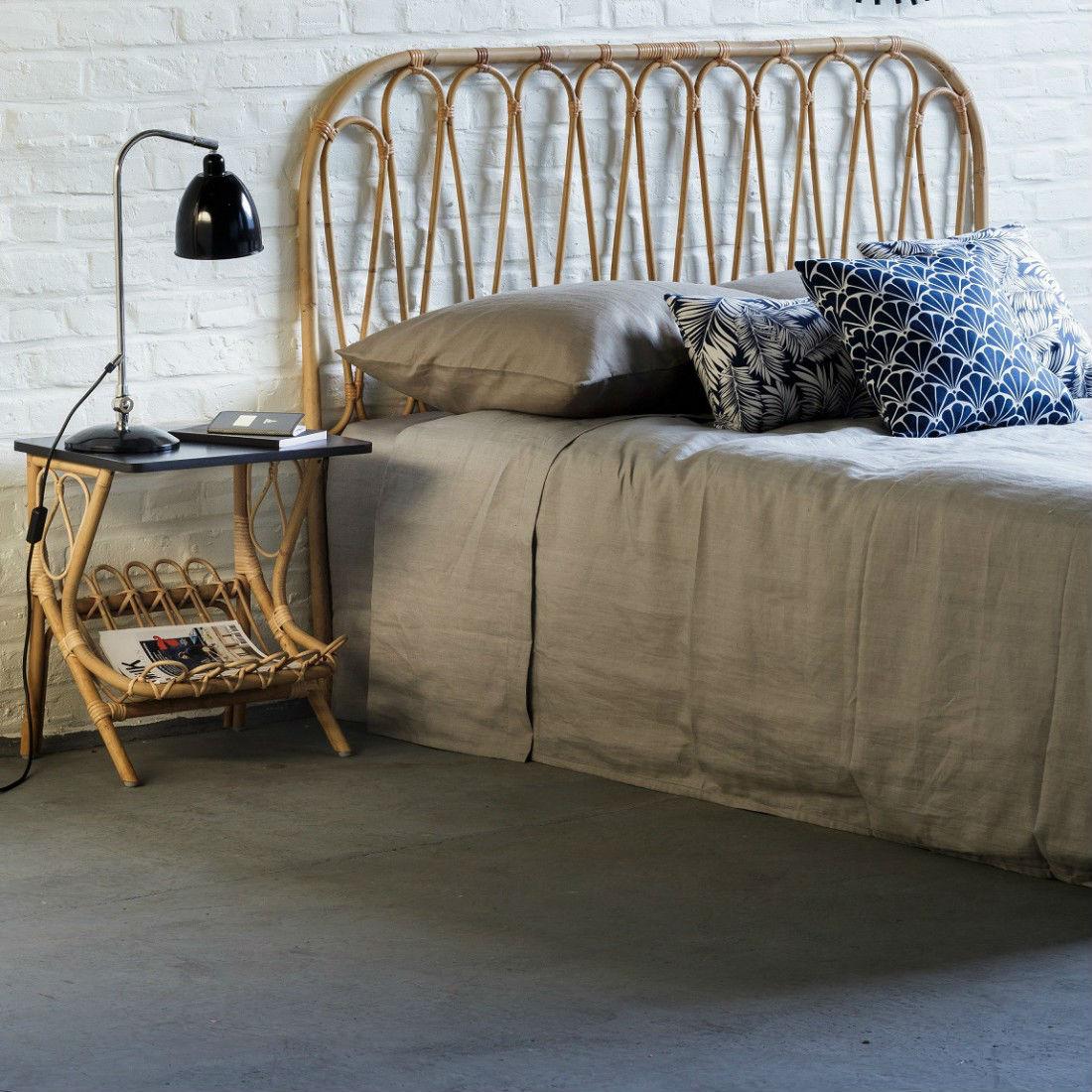 tete de lit rotin vintage