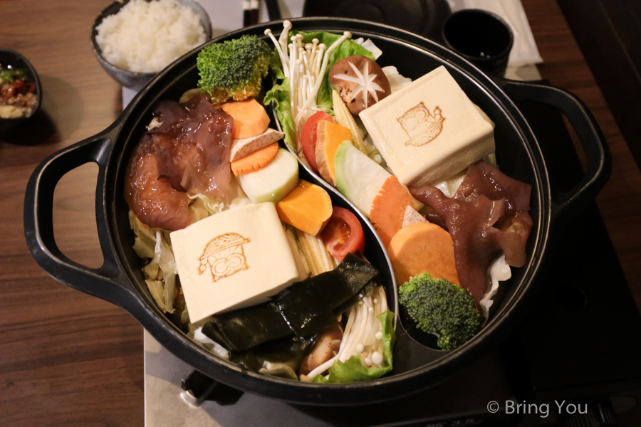 【鳳山美食推薦】貓頭鷹鍋物。老母雞古法湯底與絕頂好肉片的交響曲 | BringYou