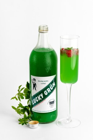 Wodka Waldmeisterlikör Lucky Grün Produktbild 2