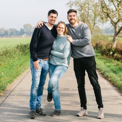 Bild stehend Johannes, Carolin & Philipp Mudda Natur