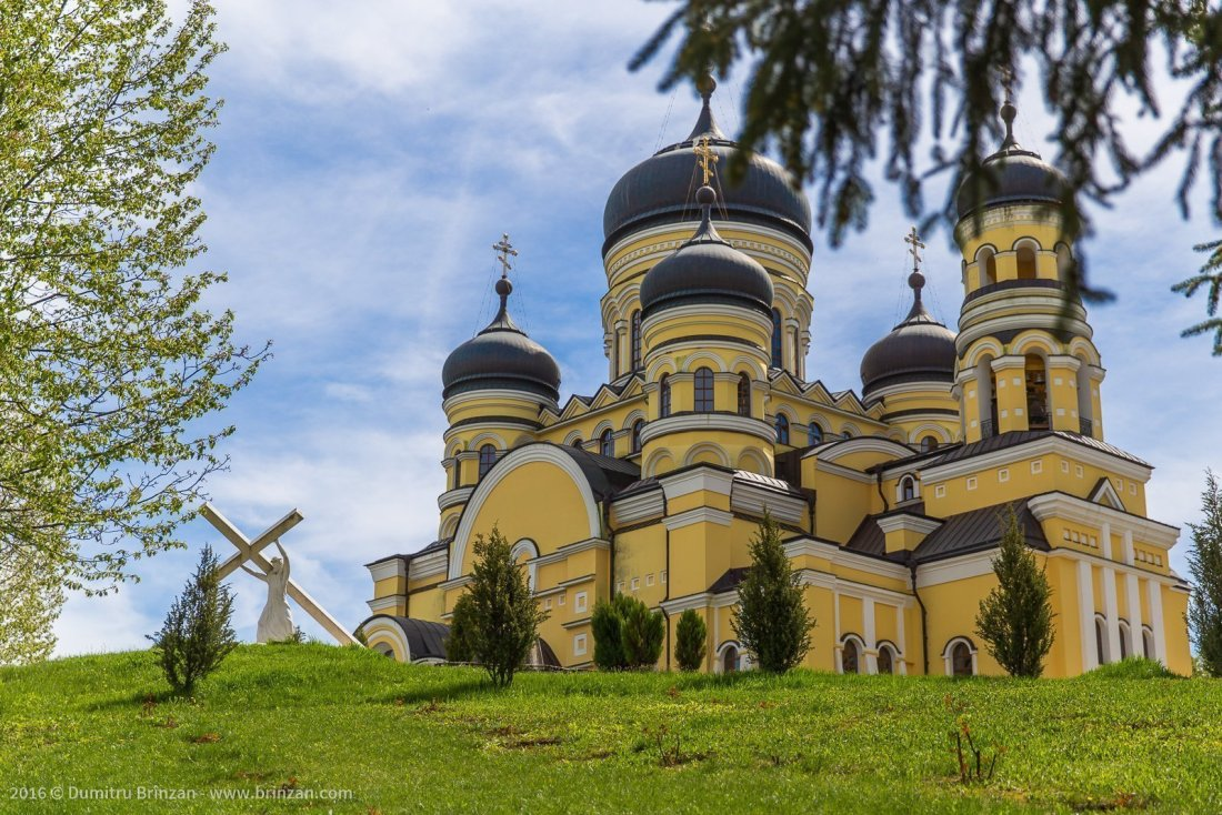 hancu-monastery-moldova-2016-9