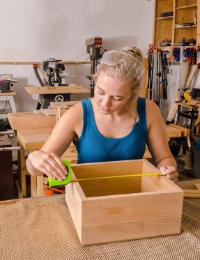 carpentry woman woodwork 3