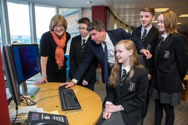 Merchants' Academy students using computers at Bank of Ireland