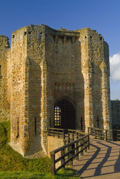 Alnwick Castle Northumberland  history and visitor
