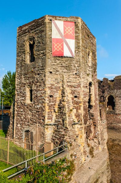Newport Castle History Travel And Accommodation