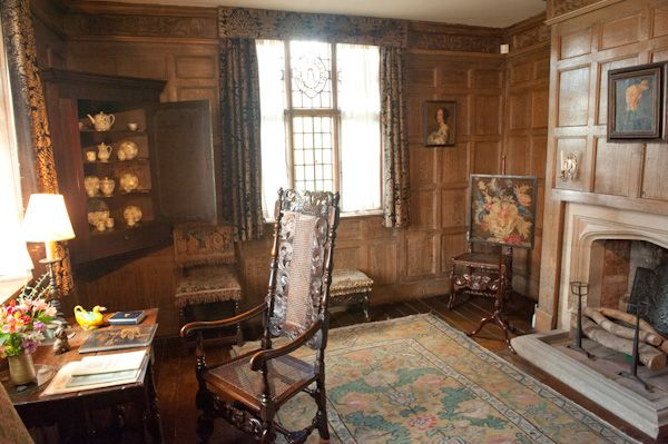 Packwood House History Travel And Accommodation