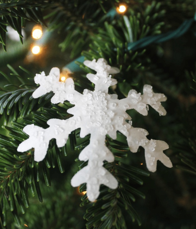 edible whisky infused snowflakes from britinthesouth.com