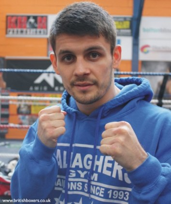 stephen smith signs for matchroom