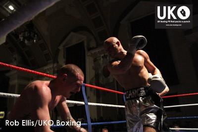 Pearce-v-Hunt-UKO-Boxing